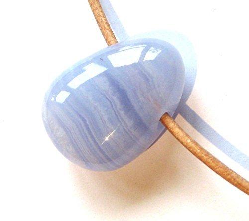 trommelstein gebohrt chalcedon mit lederband - Trommelstein gebohrt Chalcedon mit Lederband